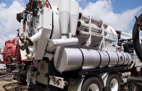 Tracking y Monitoreo de Ubicación de los Vehículos con Sensores de Flotas de Camiones, a.k.a., Industrial IoT Ahora Conoce Vehículos Industriales y Remolques Instalado con los Tanques, Bombas, los Flujos, Presiones, Aspiradoras, y otros Equipos Industriales