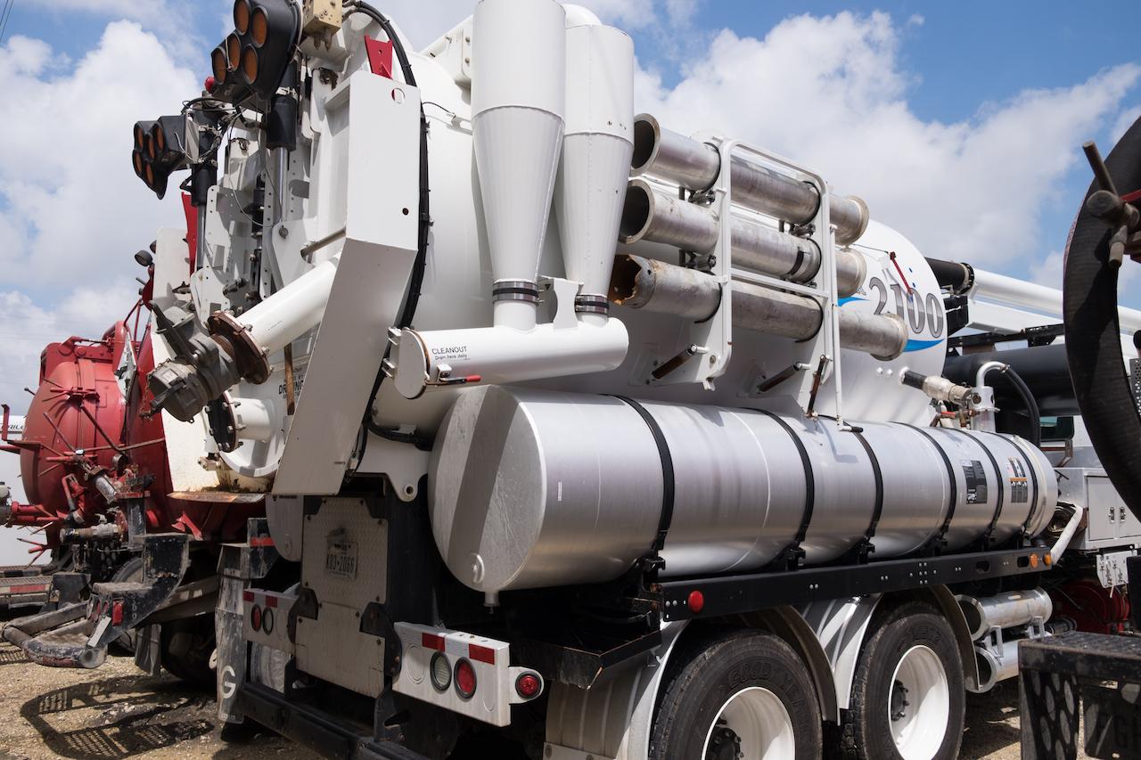 Valarm Tools Cloud Industrial IoT Remote Sensor Vehicle Truck Industrial Equipment Mobile Vehicles Vacuums Pumps Tanks Switches Flows Flowmeters 6